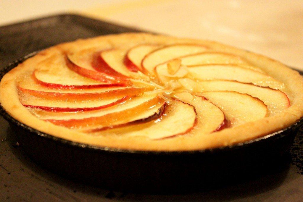 crosta di mele con crema frangipane (3).jpg