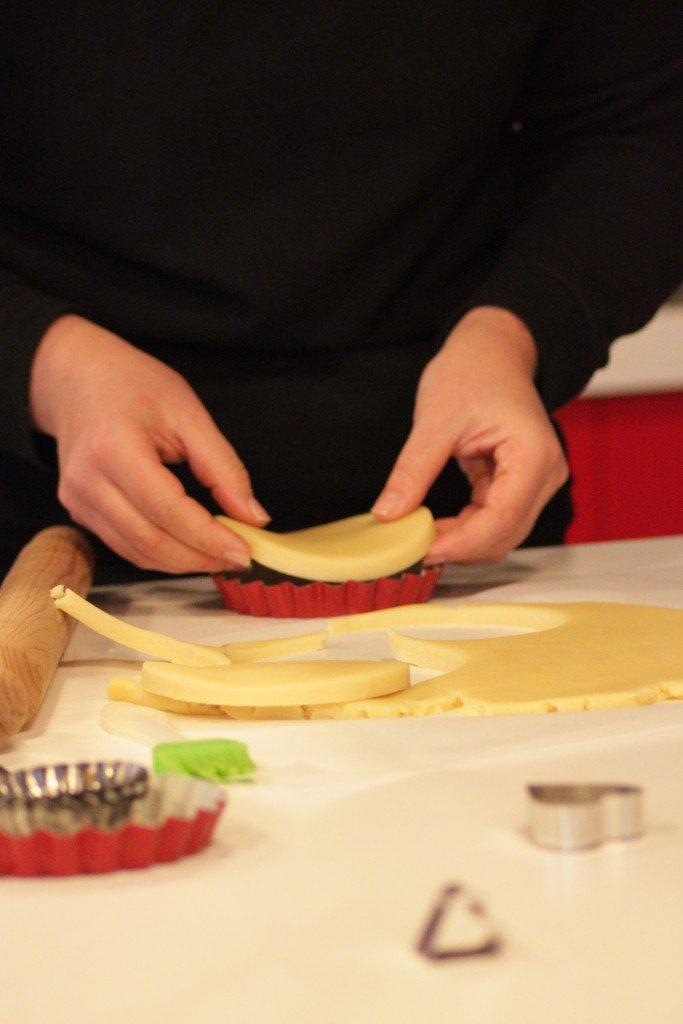 tartellette con crema e pinoli