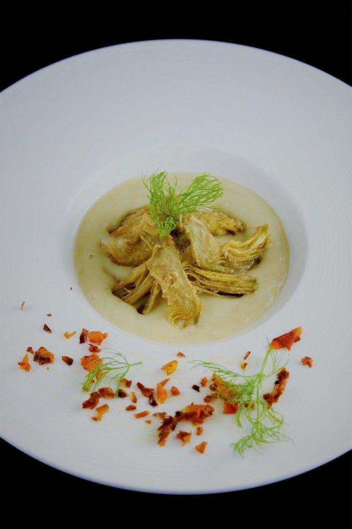 crema di finocchi con carciofi croccanti
