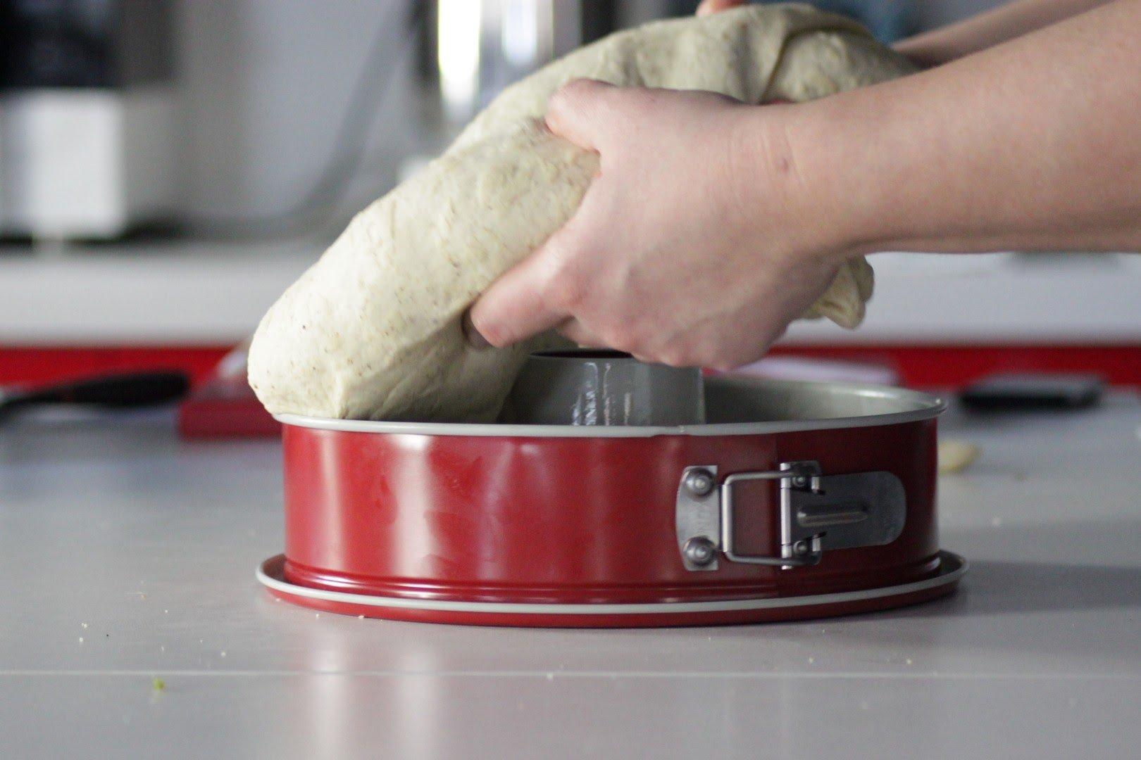 mettere in teglia ricetta casatiello vegetariano