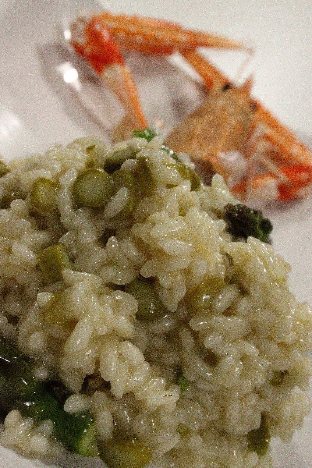 risotto agli asparagi e scampo