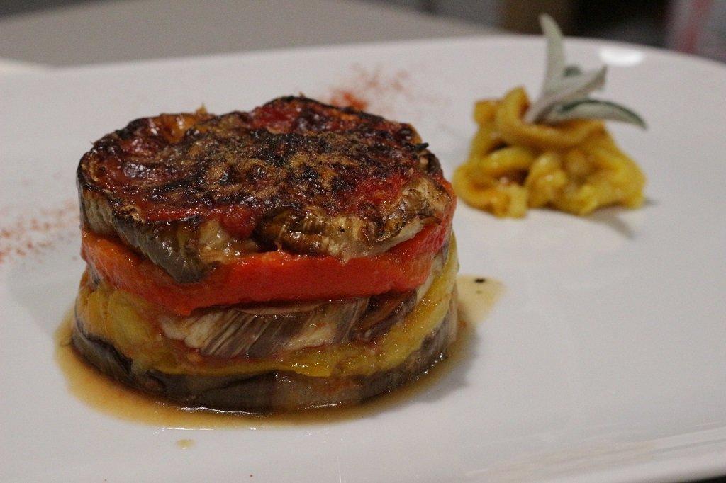 Parmigiana di melanzane e peperoni 2