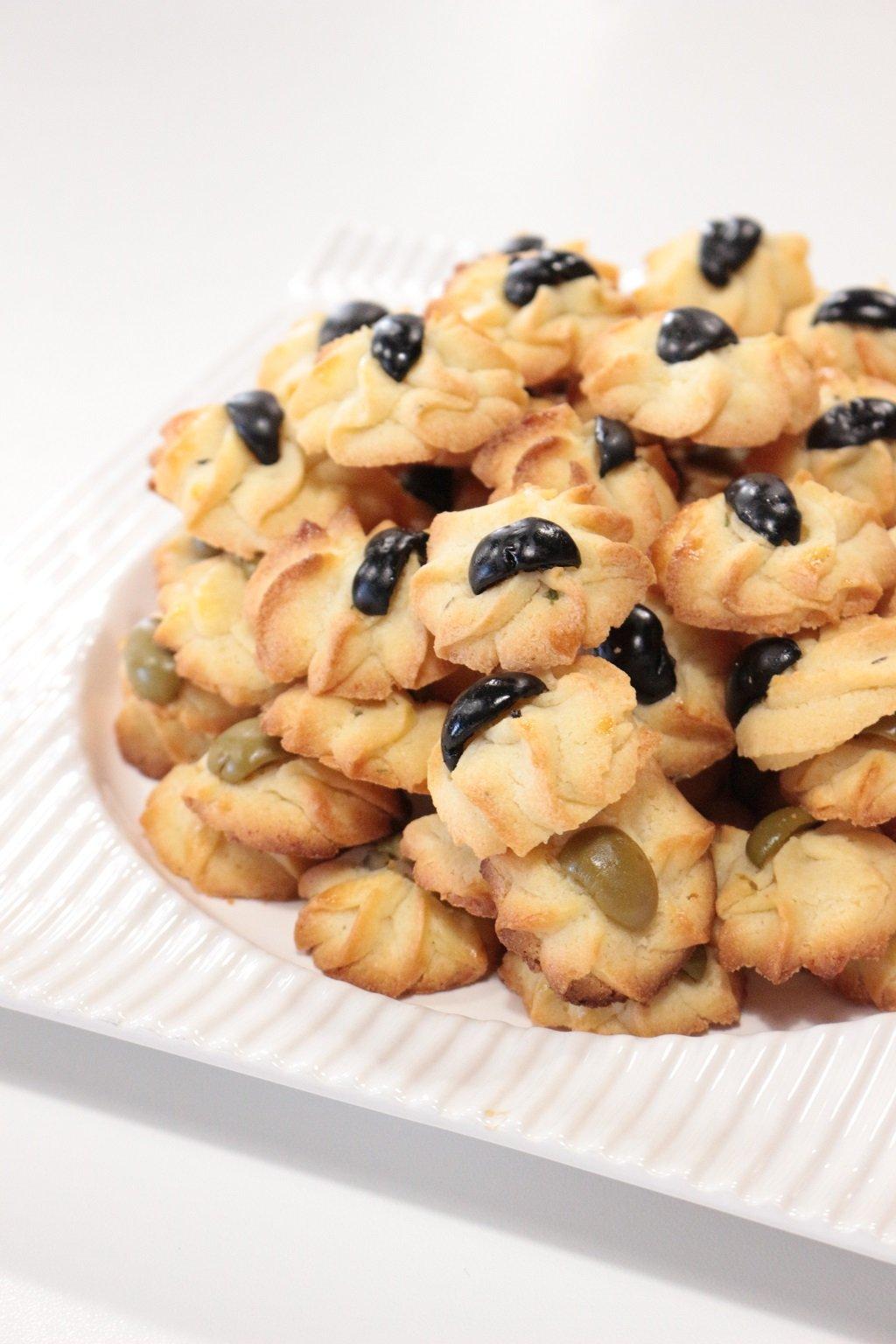 Biscotti-salati-al-timo-e-pecorino-2.jpg