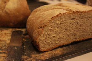 Pane rustico di grano duro con pasta madre