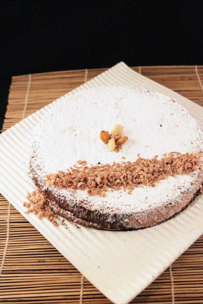 Torta Caprese Classica al cioccolato fondente