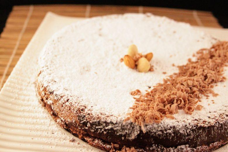 ricetta della torta caprese classica al cioccolato senza glutine