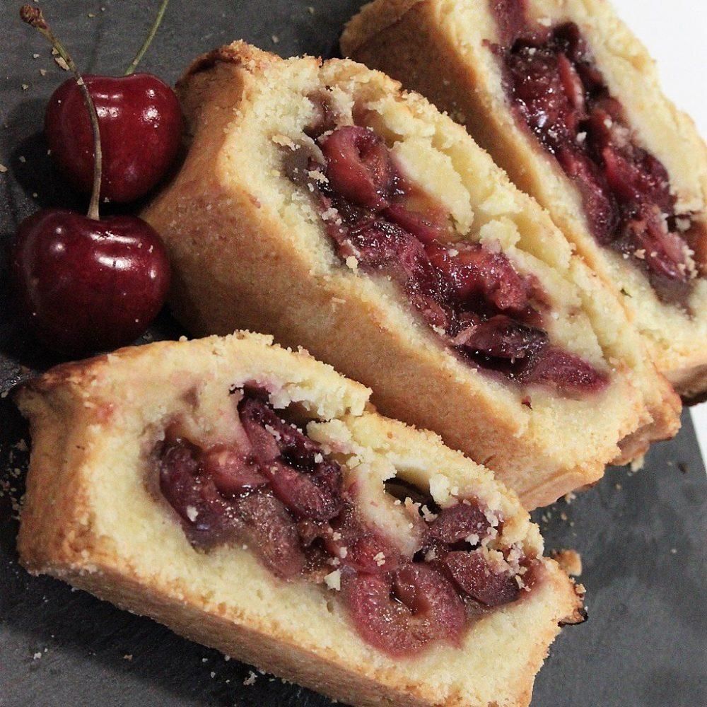 Torta di ciliegie con pasta frolla