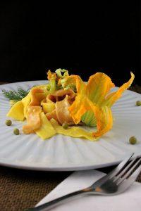 pappardelle con fiori di zucca
