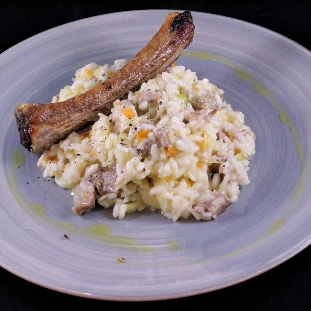 risotto con verza e costine di maiale